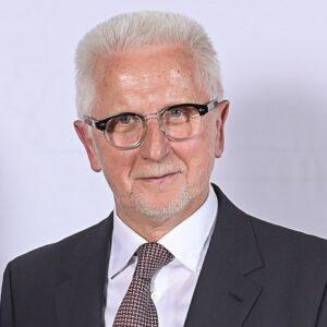 Dr. Winfried Materna